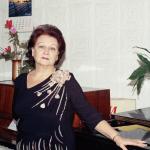 Заслуженный Учитель КЧР.Агова Ирина Михайловна